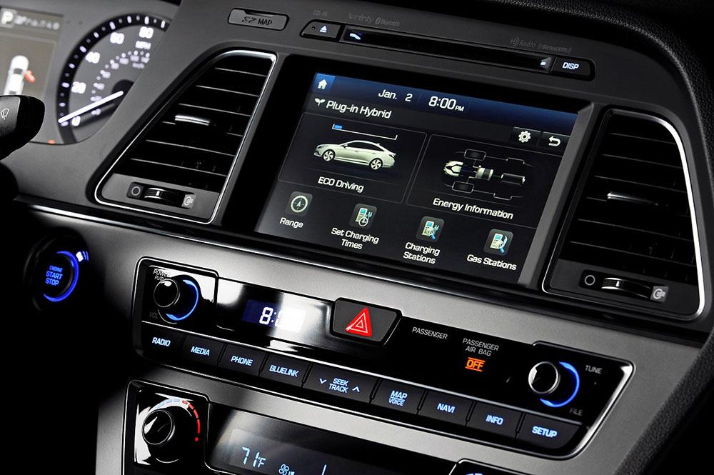2016 Hyundai Sonata Plug-in Hybrid Electric Vehicle (PHEV), Interior Touchscreen Display