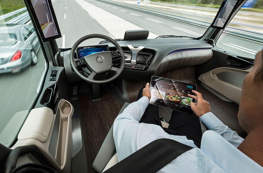 Future-Truck-2015-Poste-de-conduite