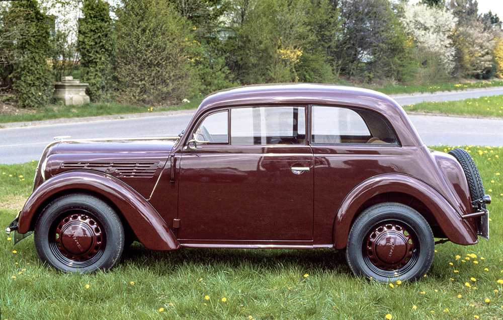 Flowing lines: The 1936 Opel Kadett shows harmonious proportions with a hatchback and integrated headlights.