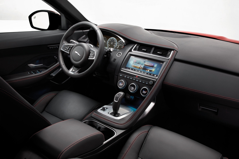 Jaguar E-PACE (6)