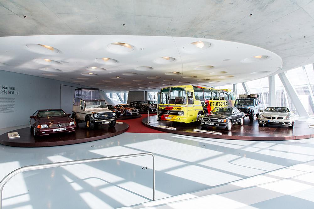 """Neue Akzente im im Raum Collection 4 """"Galerie der Namen"""": Fünf neue Fahrzeuge, unter anderem von Nicolas Cage, Cro und Lukas Podolski. ; Collections Room """"Gallery of Names"""" at the Mercedes-Benz Museum. Five new vehicles. ;"""